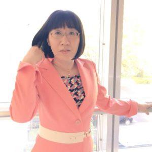 ピンクのジャケットえりこさん